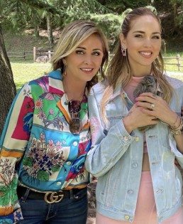 """""""Family life"""". Beautiful and talented Italian writer Marina Di Guardo wearing our spring-summer 2021 floral shirt. Marina with her daughter Chiara Ferragni."""