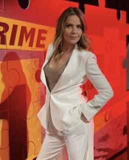 Amazing Alessandra Viero in Giorgio Grati white tuxedo at Quarto Grado - talk show Rete4